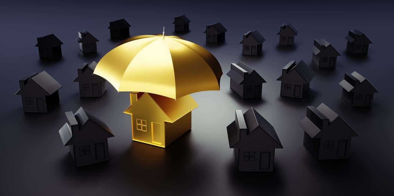 Maison luxueuse sous un parapluie