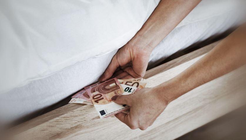 Illustration Caché De L'argent Frais Caché Assurance Vie